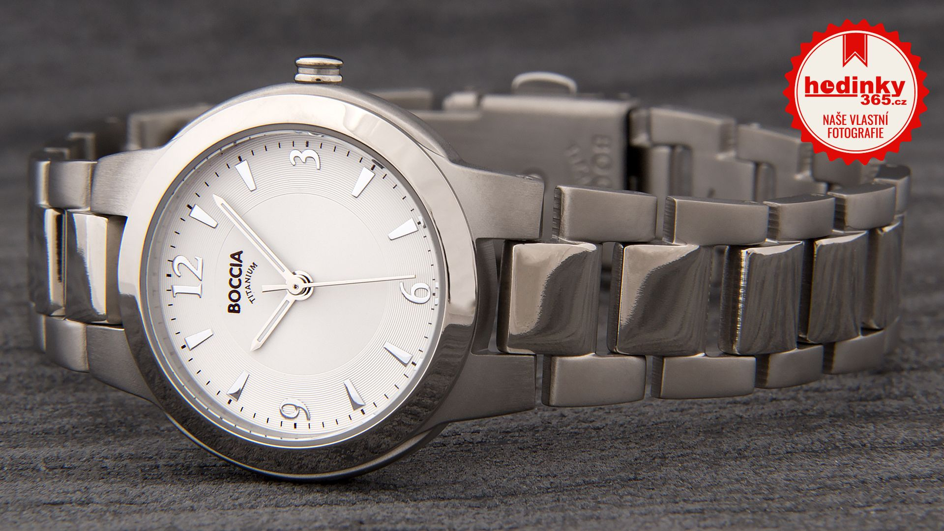 Dámské hodinky - titanový řemínek 90b3db04e9