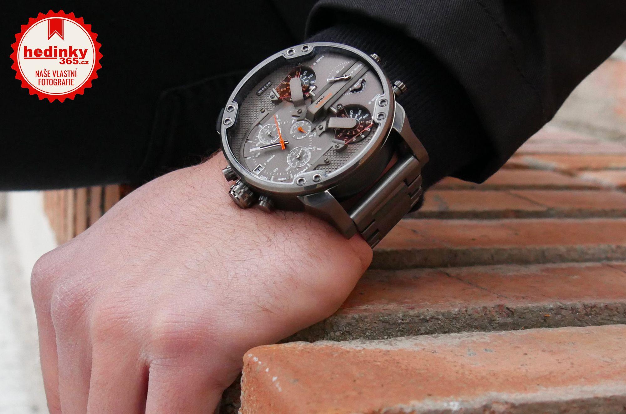 bae1d57894ab Pánské hodinky - ocelový řemínek